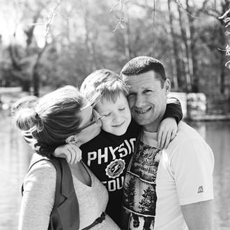 fotograf-kosice-tehulky-deti-rodinne-bosk-jesen-syn